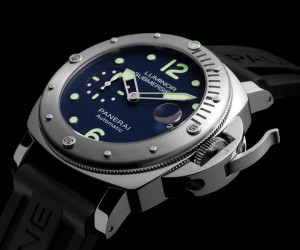 线上专属 沛纳海推出Luminor Submersible Acciaio PAM00731限量腕表