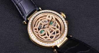 【视频】尊贵奢华 卡地亚帕莎镂空镶钻黄金腕表